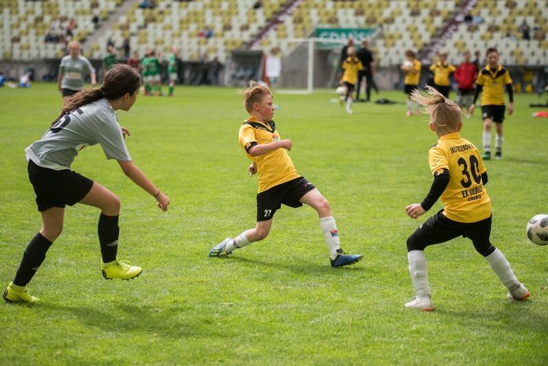 W turnieju rywalizowały dziewczęta i chłopcy
