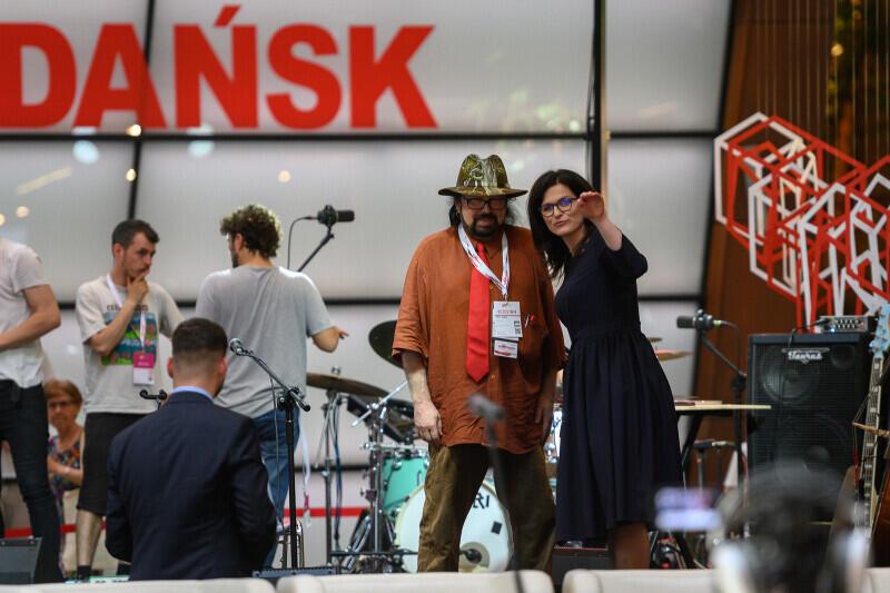 Zbigniew Hołdys i prezydent Gdańska Aleksandra Dulkiewicz