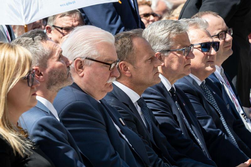 Na zdjęciu od lewej: Magdalena Adamowicz, Jarosław Wałęsa, Lech Wałęsa, Donald Tusk, Bronisław Komorowski, Aleksander Kwaśniewski, Adam Bodnar