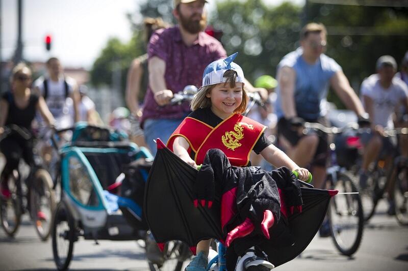 W tym roku rowerzyści w fantazyjnych strojach mogą wygrać dwa rowery