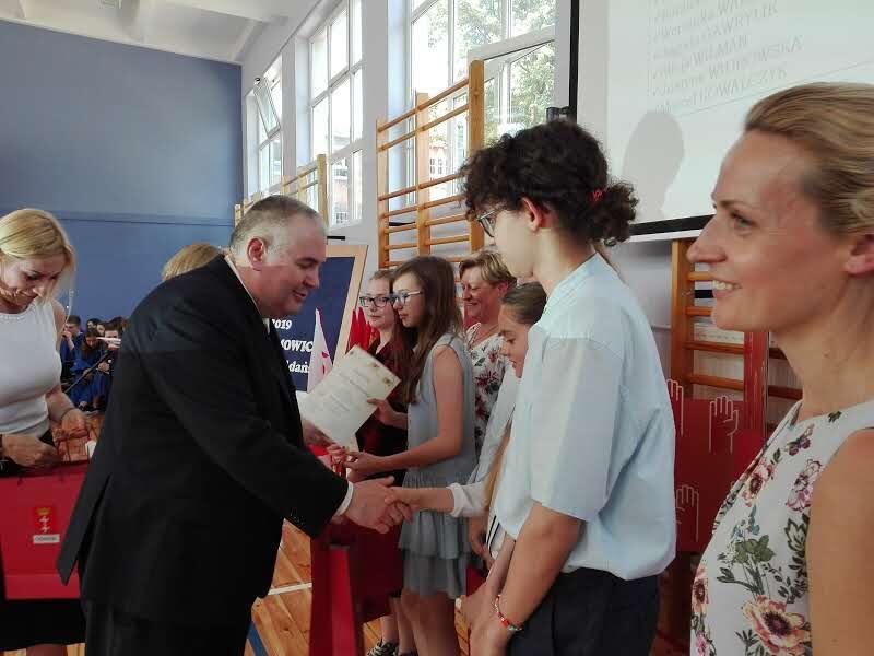 W czwartek, 6 czerwca, rozstrzygnięto konkurs 'Młodzi dla demokracji' i wręczono nagrody laureatom