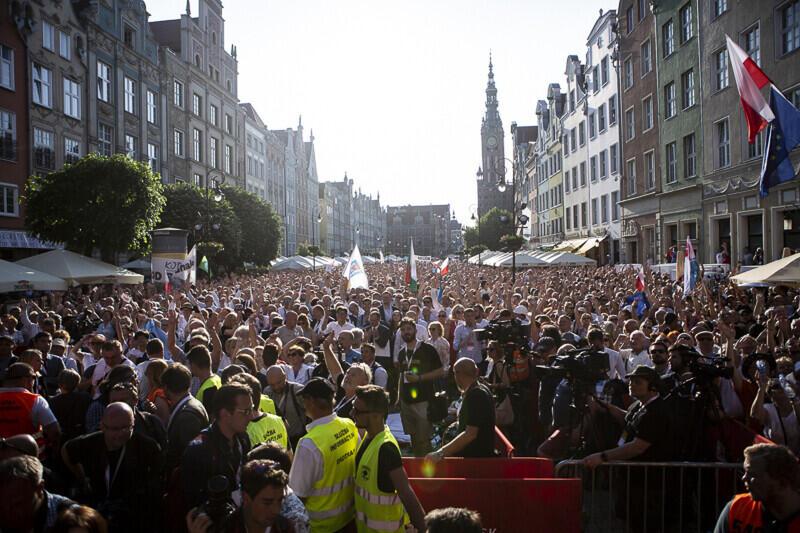 Wiec na Długim Targu w Gdańsku z okazji Święta Wolności i Solidarności
