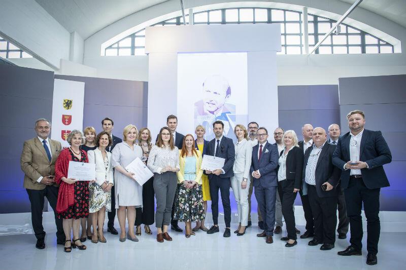 Muzeum Emigracji w Gdyni. Gala wręczenia Nagród im. Macieja Płażyńskiego 2019 dla dziennikarzy i mediów służących Polonii