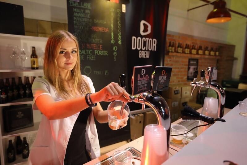 Piwo przede wszystkim, ale na Hevelce odwiedzający będą mogli posmakować także irlandzkiej whiskey (trzykrotnie destylowana w miedzianych alembikach, dzięki czemu jest delikatniejsza). Whiskey znajdziemy w strefie Tullamore Dew