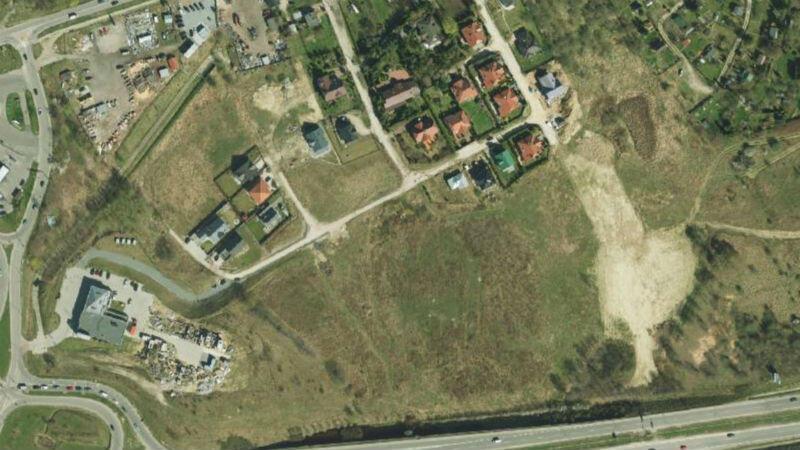 Rejon ulic Cedrowej i Czereśniowej (na dole al. Armii Krajowej, ) - teren zlokalizowany pośrodku jest niezagospodarowany