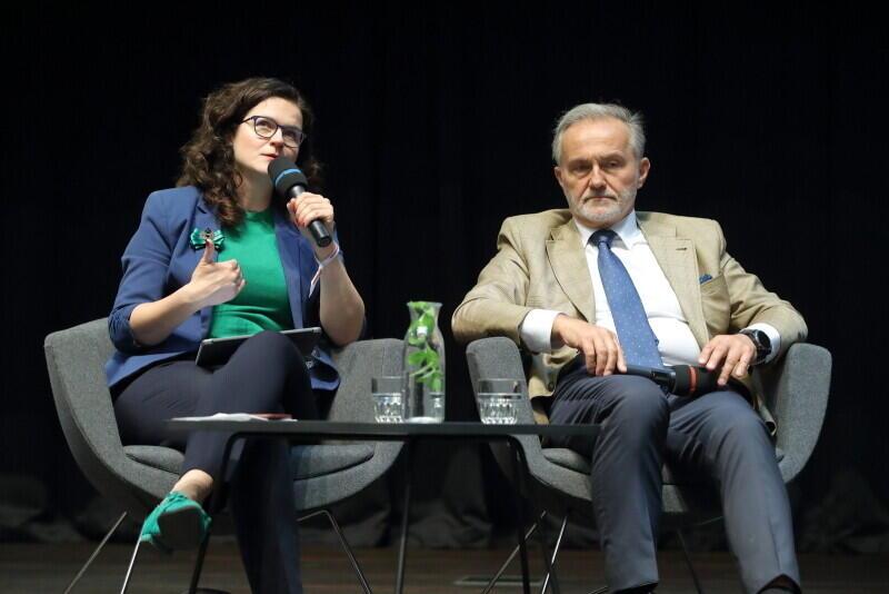 Aleksandra Dulkiewicz - prezydent Gdańska i Wojciech Szczurek - prezydent Gdyni, wzięli udział w otwarciu Forum