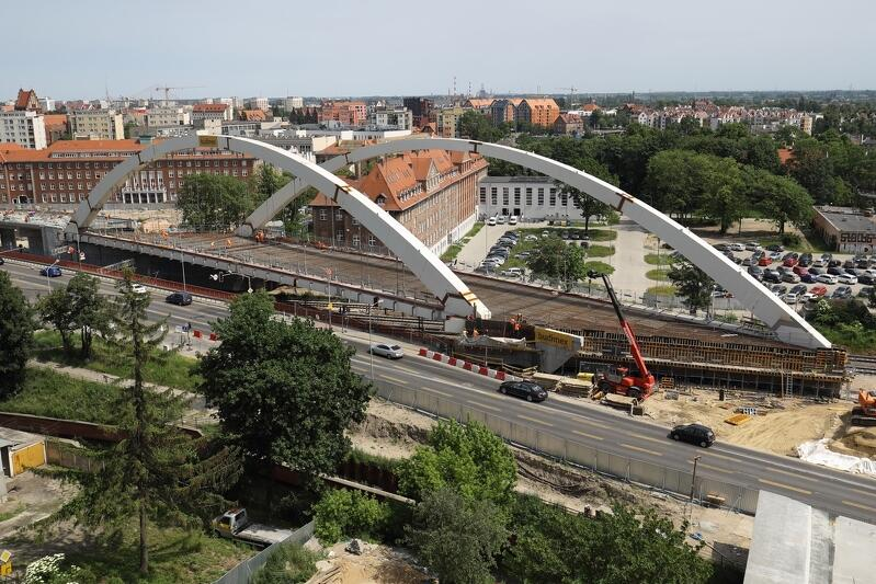 Pierwszą nitką nowego wiaduktu kierowcy pojadą już jesienią br.