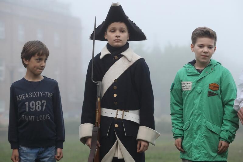 Współczesność i historia w Gdańsku stale się przenikają. Nz. scena z tegorocznej Nocy Muzeów w Hevelianum