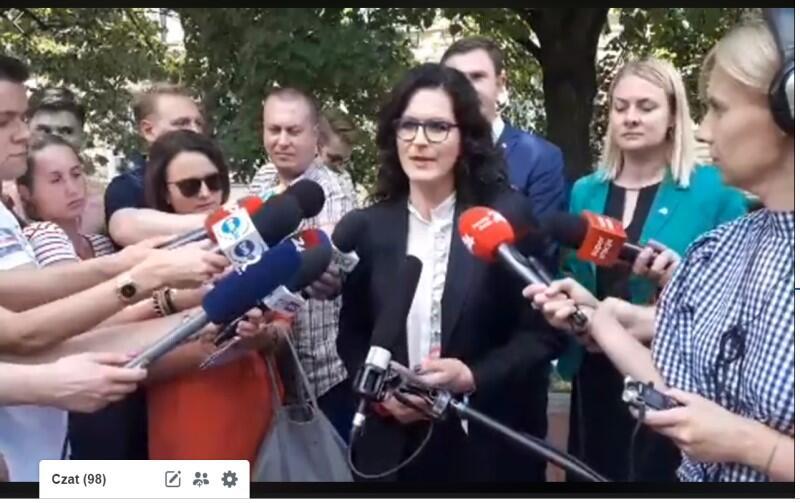 Prezydent Gdańska Aleksandra Dulkiewicz po spotkaniu z premierem Mateuszem Morawieckim spotkała się z mediami