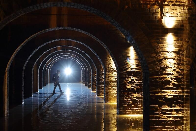 Spokojnie - idąc na wizytę do Zbiornika Wody Stara Orunia nie musisz zakładać kaloszy, zainstalowano tu pomosty dla zwiedzających