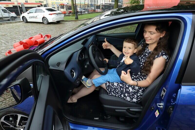 Iwona Kołodziejska ma prawo jazdy, ale samochodem nie jeździ. Może teraz zmieni zdanie?
