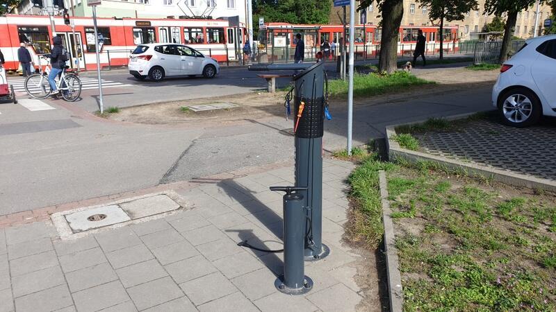 Napompować koło czy wyregulować hamulce można m.in. we Wrzeszczu, u zbiegu ulic Hallera i Kościuszki