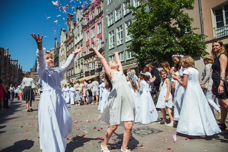 Uroczystości i procesje związane ze świętem Najświętszego Ciała i Krwi Chrystusa przejdą jutro ulicami Gdańska