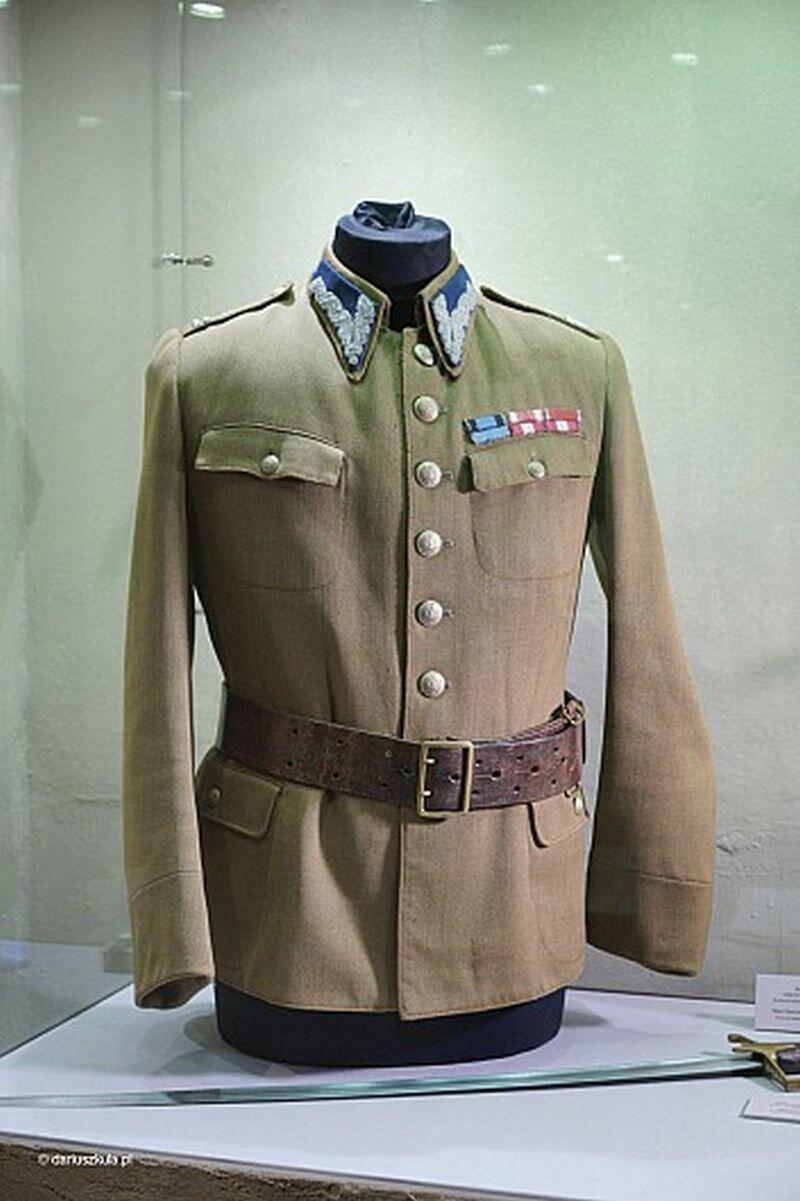 Mundur majora Sucharskiego w Wartowni nr 1 na Westerplatte