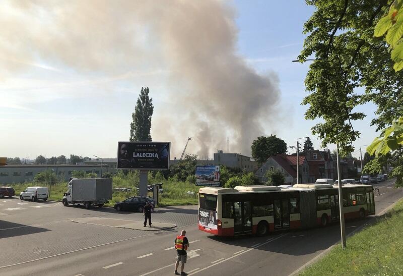 Pożar przy Trakcie św. Wojciecha, stan na godz. 8.30
