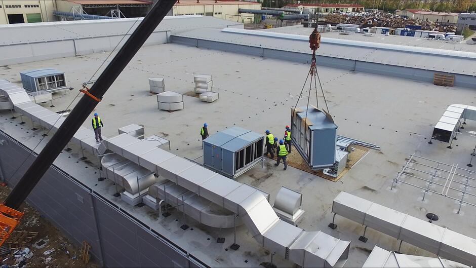 Do zamontowania zostały jeszcze m.in. elementy instalacji podczyszczalni czy biofiltr.