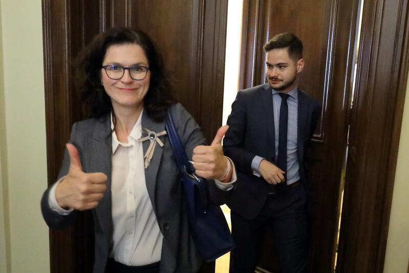 Aleksandra Dulkiewicz, prezydent Gdańska, po otrzymaniu wotum zaufania od Rady Miasta Gdańska