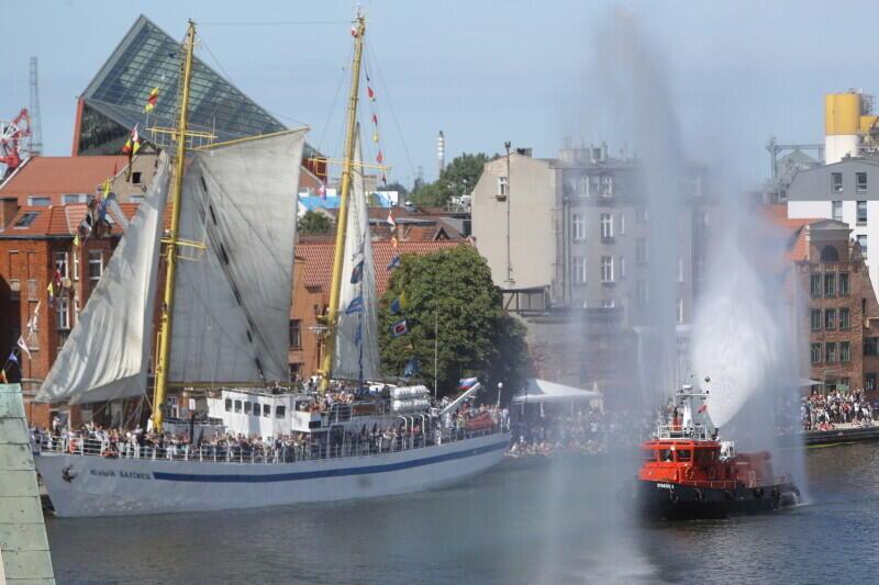 Parada żaglowców to centralne, bardzo widowiskowe wydarzenie Baltic Sail Gdańsk, tu z 2018 r.