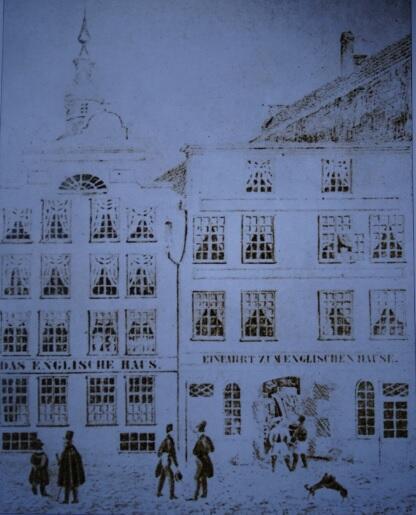 """Do hotelu """"Angielski Dom"""" należały też posesje od strony Długiego Targu, rycina z ok. 1830"""