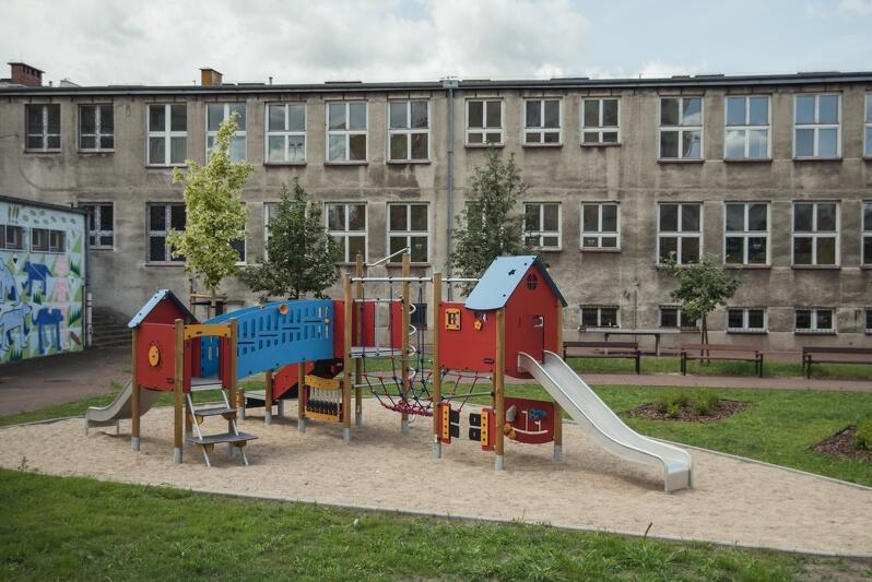 Na Młyniskach powstał teren do rekreacji dla młodszych i starszych mieszkańców
