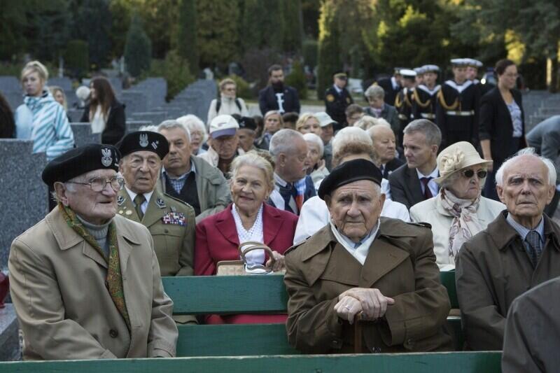 Rocznica utworzenia Państwa Podziemnego - jedno z cyklicznych spotkań przy Kwaterze Akowskiej na Cmentarzu Łostowickim
