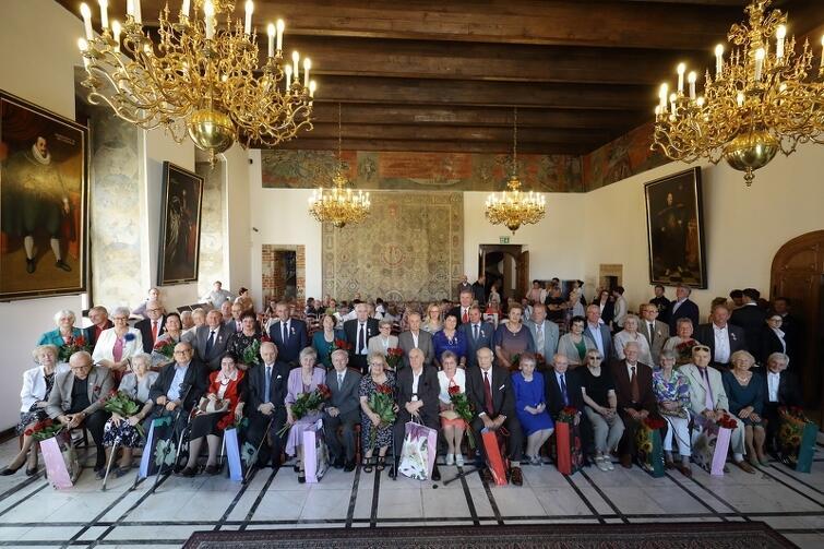 Tego dnia 33 mieszkające w Gdańsku pary świętowały swoje imponujące małżeńskie jubileusze. Rekordziści są razem od ponad 65. lat