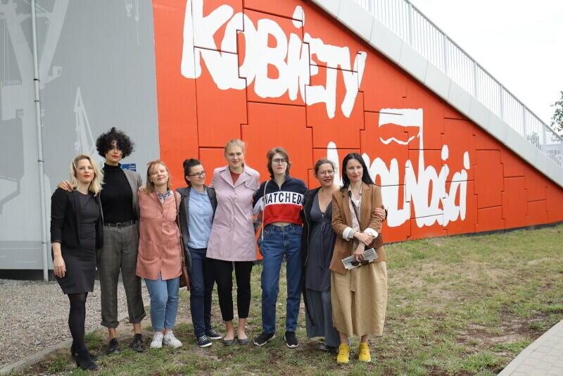 To tylko część artystek z RedSheels i malarek z Trójmiasta, które tworzyły mural, druga od prawej Anna Eichler