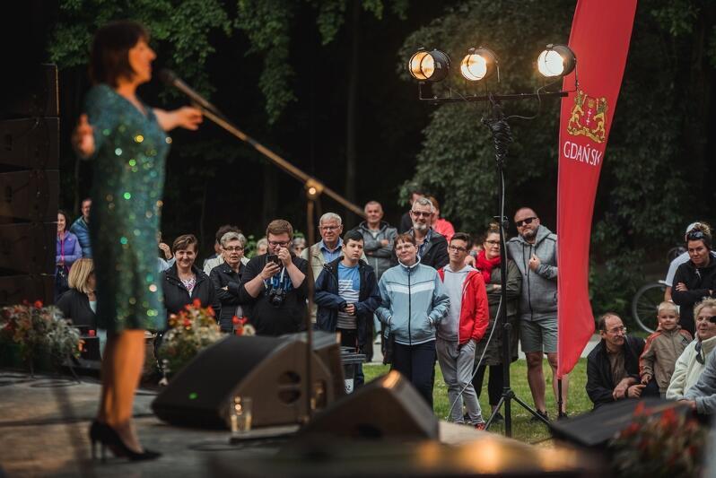 Letnie koncerty w Parku Oruńskim mają już swoją tradycję i zagorzałych fanów. Panie i Panowie - na scenie Hanna Śleszyńska z zespołem!