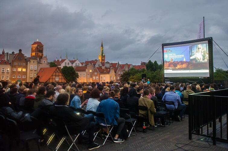 Kino na Szekspirowskim. Dobry film i gdański pejzaż w tle