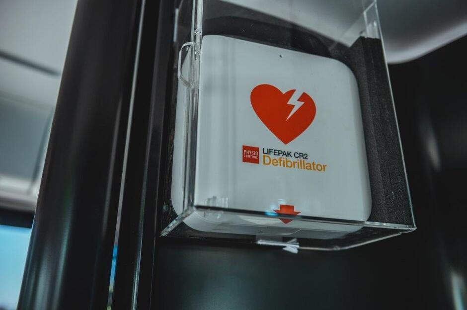 Defibrylatory wkrótce pojawią się we wszystkich nowych i we wszystkich modernizowanych pojazdach GAiT