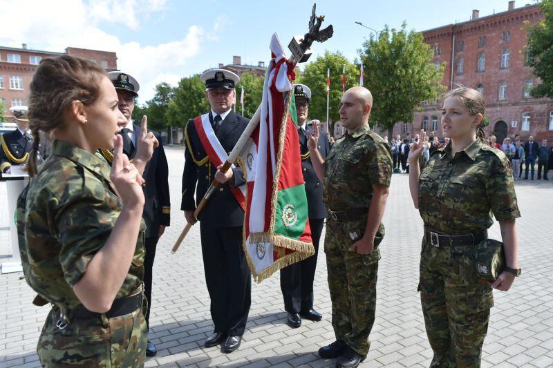 Ślubowanie nowych funkcjonariuszek i funkcjonariuszy w Komendzie MOSG w Gdańsku