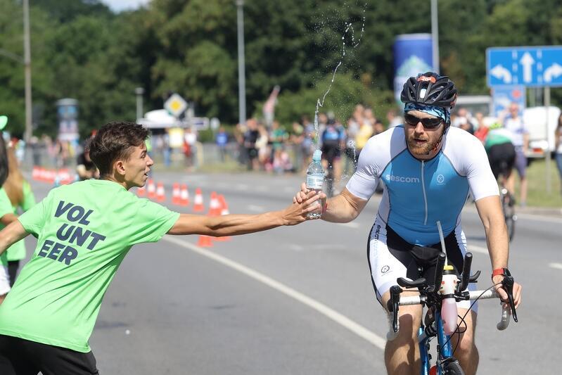 Na rowerach zawodnicy przejechali 40 km