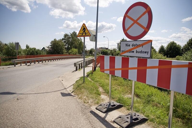 Oznakowanie zamknięcia wiaduktu na poranek 16 lipca jest już gotowe