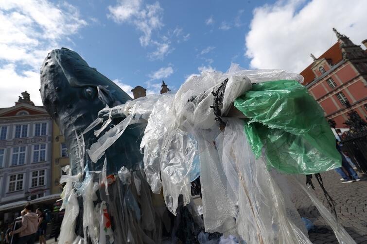 Tego lata w Gdańsku, Międzyzdrojach i Kołobrzegu będzie można dołączyć do strefy Greenpeace #BezPlastiku i wziąć udział w działaniach na rzecz ograniczenia plastiku jednorazowego użytku