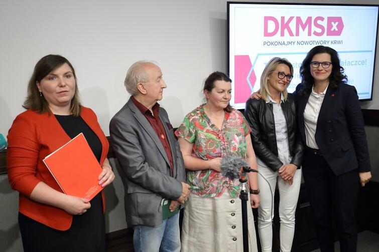 Przykład idzie z góry - prezydent Aleksandra Dulkiewicz jest jednym z 27. gdańszczan, którzy są zarejestrowani w bazie dawców szpiku