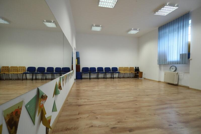 W lokalu jest także sala z lustrami do zajęć tanecznych
