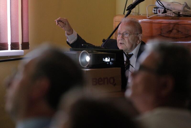 Prof. Andrzej Januszajtis w swoim żywiole