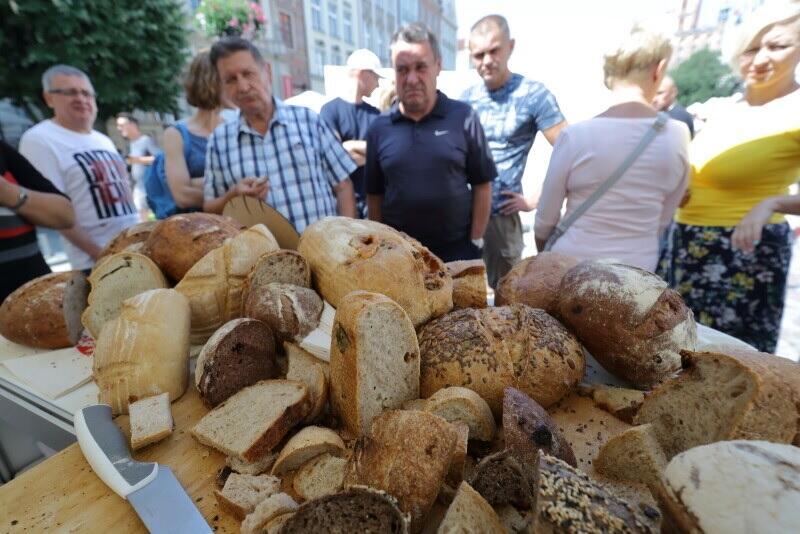 Gdańskie Święto Chleba, to jedno z najstarszych w Polsce, barwne i smaczne wydarzenie ze swoją niepowtarzalną atmosferą