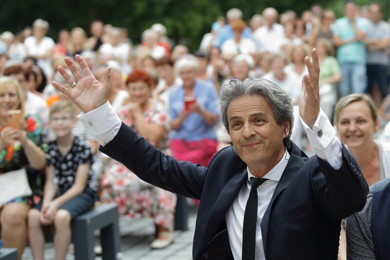 Piotr Polk pośród gdańskiej publiczności w Parku Oruńskim