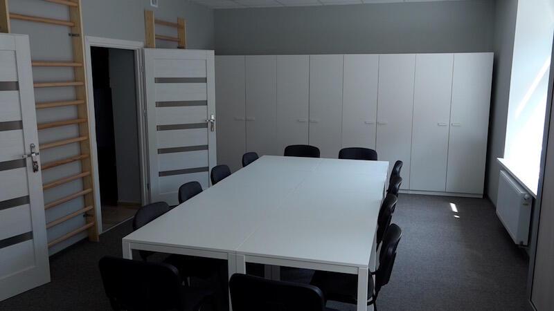 Sala na I. piętrze służyć będzie m.in. do prowadzenia zajęć sportowych, wykładów, spotkań, rozmów