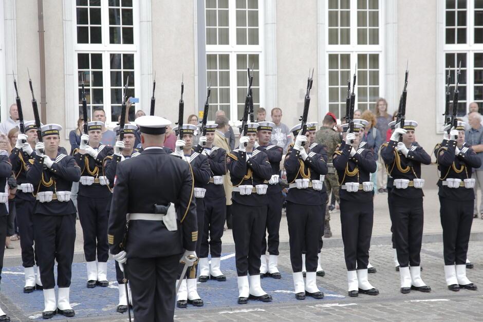 W uroczystościach wzięli udział także żołnierze z gdańskiego Garnizonu oraz Orkiestra Morskiego Oddziału Straży Granicznej
