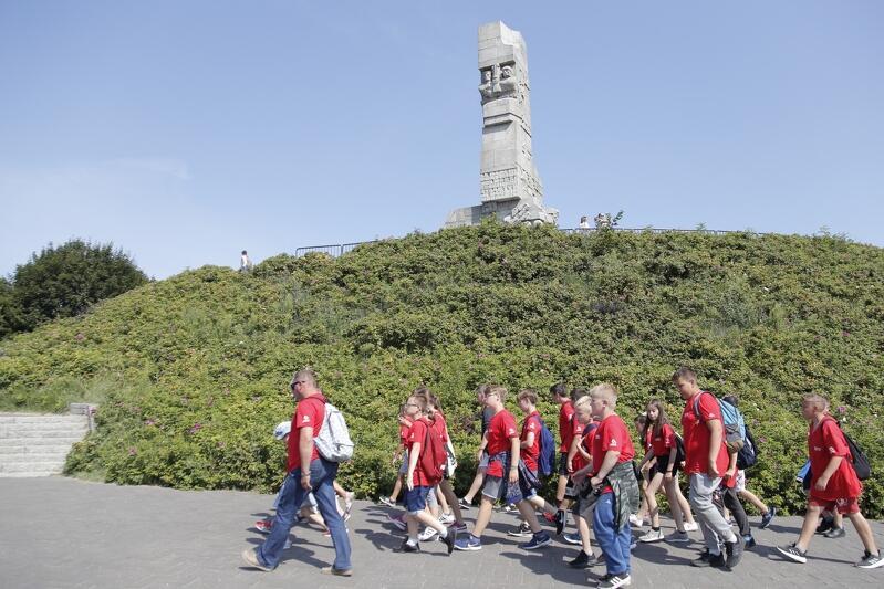 Jeszcze w tym roku obchody wybuchu II wojny światowej na Westerplatte organizować ma Miasto Gdańsk. W przyszłym - organizatorem będą zapewne już władze państwowe. Muzeum pola bitwy ma powstać za trzy-cztery lata
