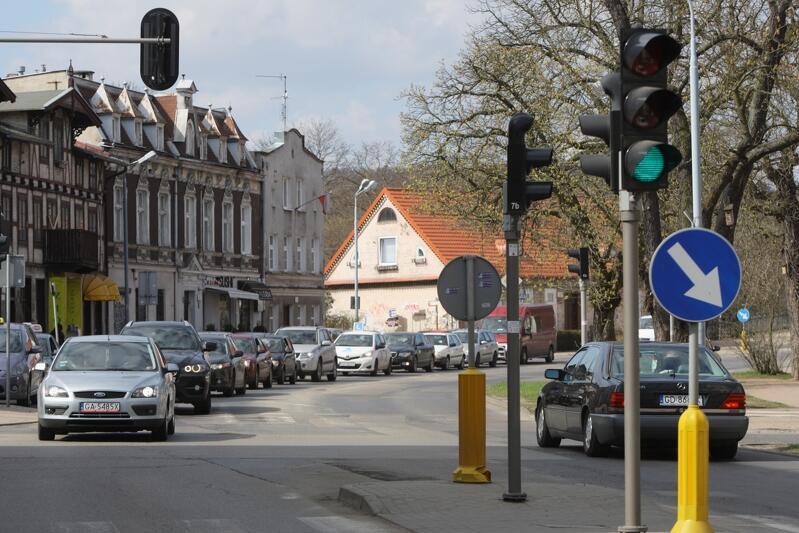 W ul. Stary Rynek Oliwski wymienić trzeba rury wodociągowe