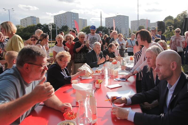 Nz. od lewej: Andrzej Chmielecki - radny dzielnicy Przymorze Wielkie i Alan Aleksandrowicz - zastępca prezydenta Gdańska ds. inwestycji
