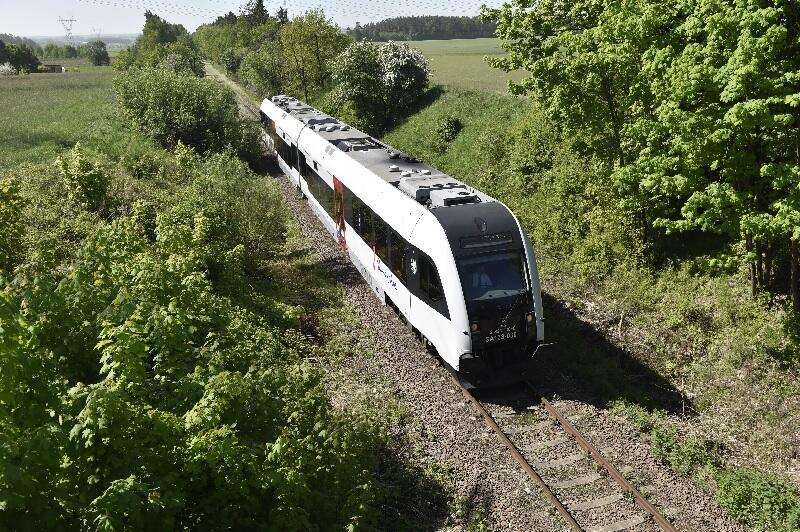 W maju 2018 roku odbył się przejazd pociągu specjalnego na 24-kilometrowej trasie Gdańsk-Kokoszki - Kartuzy w ramach samorządowej inicjatywy ma rzecz reaktywacji przewozów pasażerskich na tej linii kolejowej