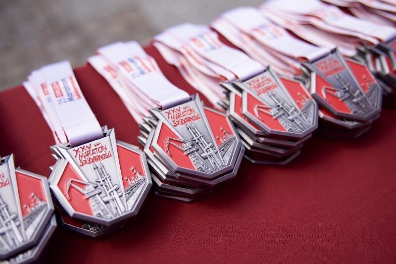 Uczestnicy 25. Orlen Maratonu Gdańsk otrzymali pamiątkowe medale