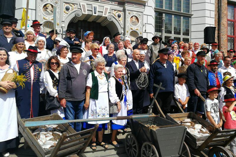 Pamiątkowe, wspólne zdjęcie na zakończenie ceremonii otwarcia