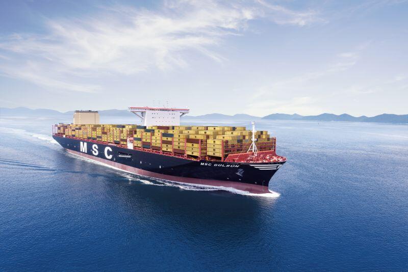 Największy kontenerowiec świata MSC Gülsün w drodze do Gdańska