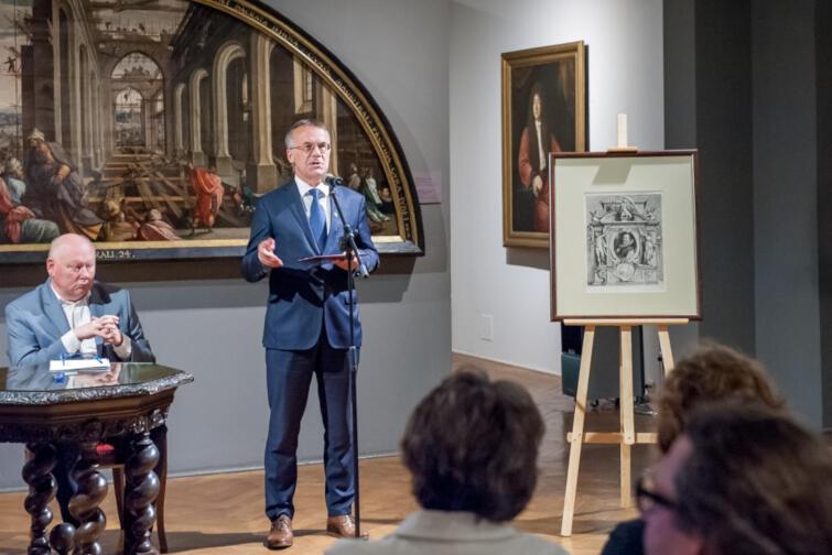 Obiekt został przekazany przez wiceministra kultury Jarosława Sellina, który podkreślał jego historyczne znaczenie