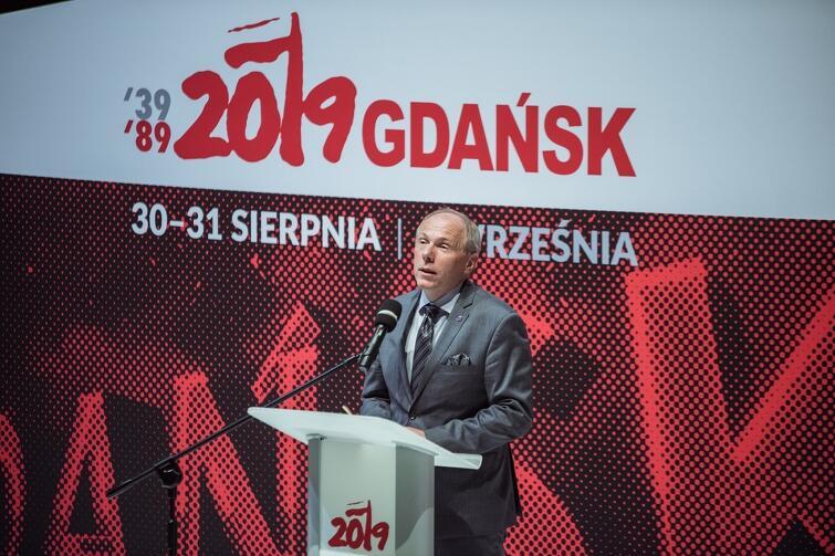 """Co dziś oznacza bycie obywatelem? To bycie z """"innymi"""" - przekonywał prof. Cezary Obracht-Prądzyński"""